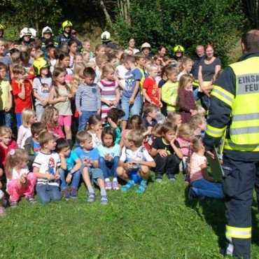 Räumungsübung der Volksschule und des Kindergartens
